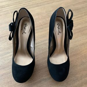 Qupid black heels with bow size 7